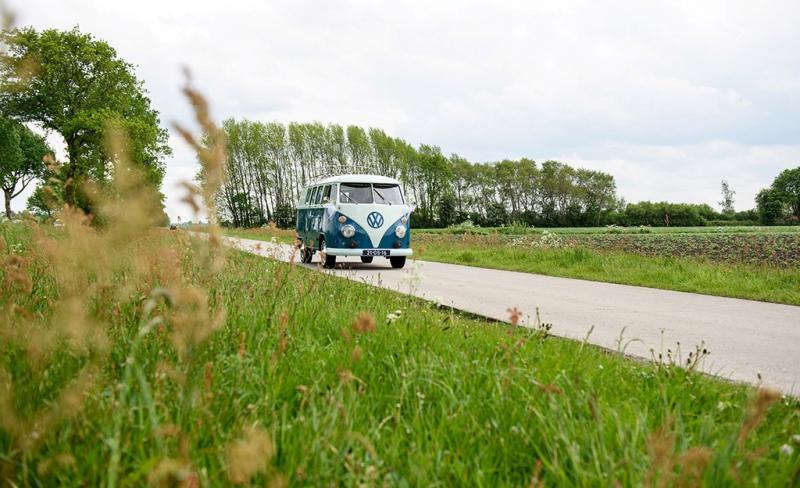 trouwen in VW busje
