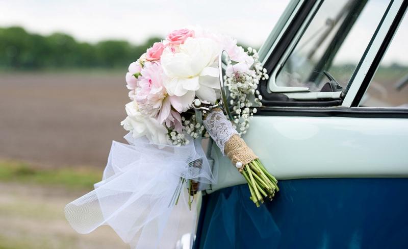 trouwen in een vw busje...