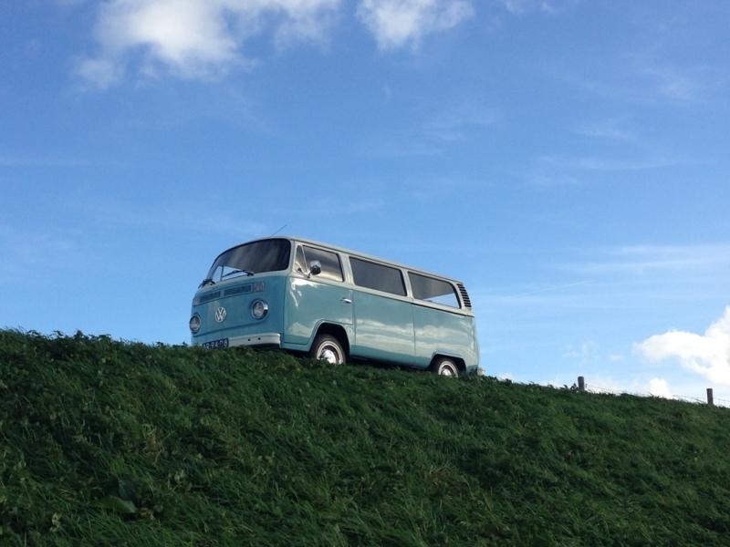 Volkswagen busje als trouwauto